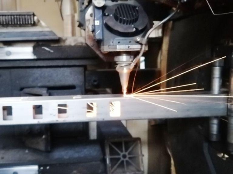 laser tubi